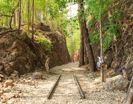 Hellfire_pass,_Kanchanaburi,_Thailand.jpg