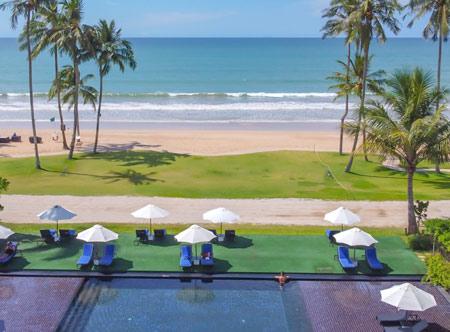 JW-Marriott-Khao-Lak_Beach-view-from-pool.jpg