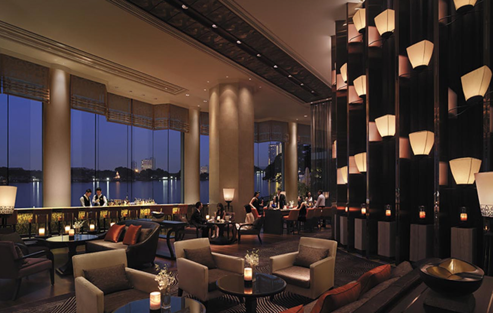 Shangri-La_Bangkok_-_The_Long_Bar.jpg