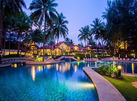 Dusit_Thani_Laguna_Phuket_-_Swimming_Pool.jpg