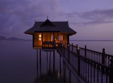 Pangkor_Laut_Resort_-_Sea_Villa.jpg