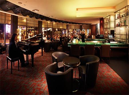 Parkroyal_Kuala_Lumpur_-_Klix_Lounge.jpg