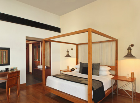 Suite_Bedroom.jpg