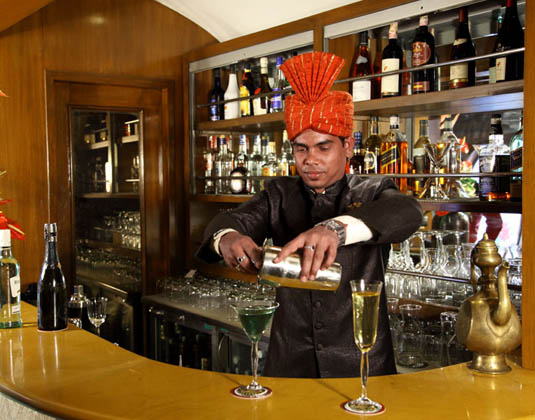 Palace on Wheels bar lounge