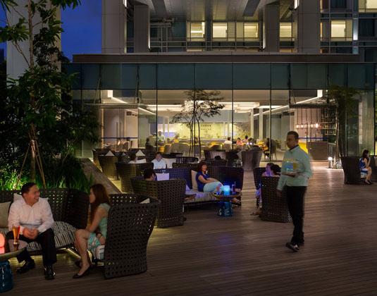 Hotel_Jen_Orchard_Gateway_-_Terrace_Night.jpg