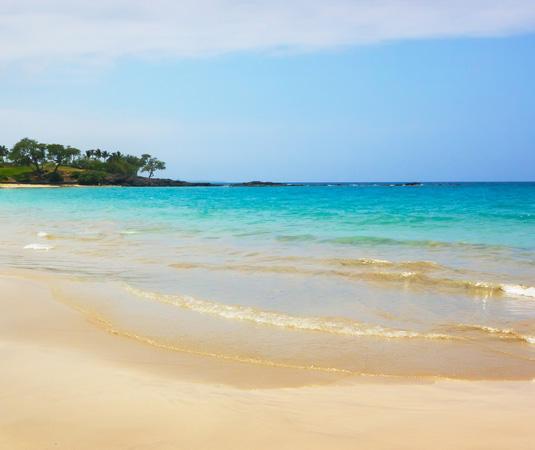 Hapuna_Beach,_Big_Island.jpg