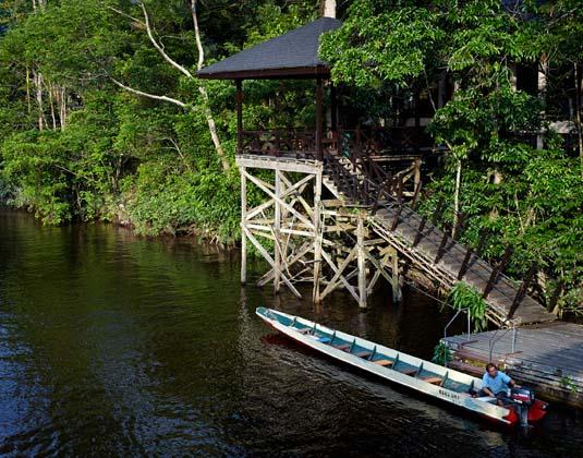 Mulu_Marriott_Resort_and_Spa_-_Resort_Jetty.jpg