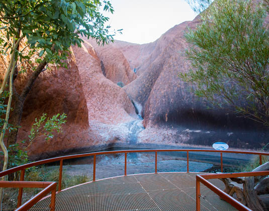 _Kings_Canyon_and_UluruExplore_MAIN_Mutitjulu_Waterhole_on_the_Kuniya_walk.jpg