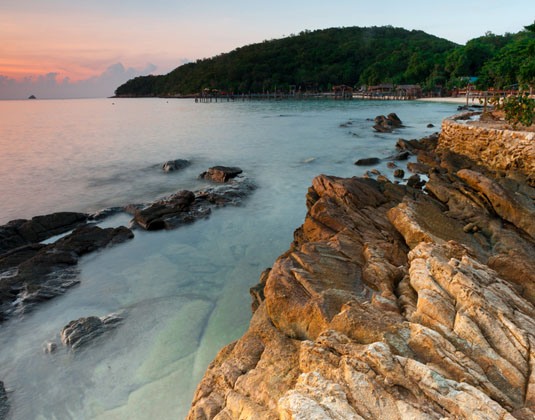 Ocean_twilight_at_Koh_Samet,_Thailand.jpg