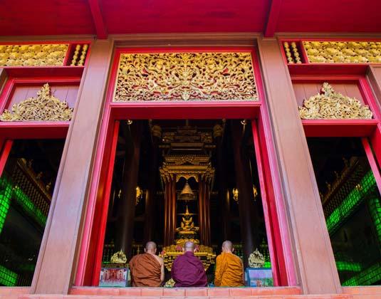 Wat_Phra_Kaeo_-_Chiang_Rai.jpg