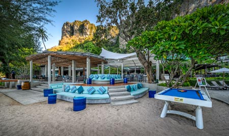 Centara-Grand-Krabi-Beach-Resort_coast-beach-club-and-bistro-06.jpg