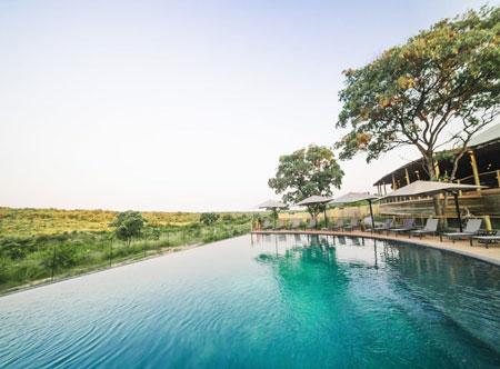 Mdluli-Safari-Lodge_pool.jpg