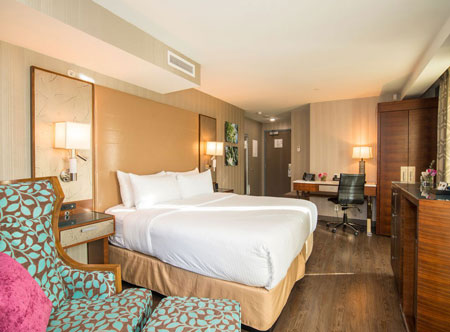 Hotel-Blu-Vancouver_deluxe-room.jpg