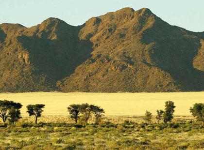 1541_1_Namibia_Mountains.jpg