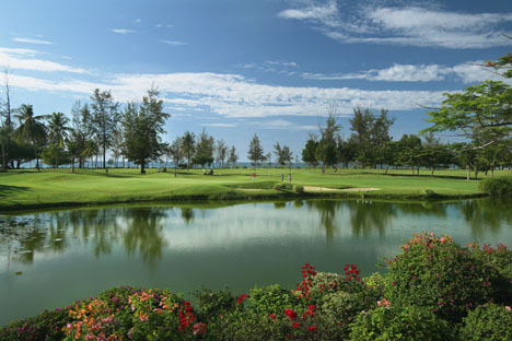 12865_6_Nexus_Resort_golf_course.jpg