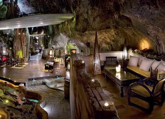 Cave-bar.jpg