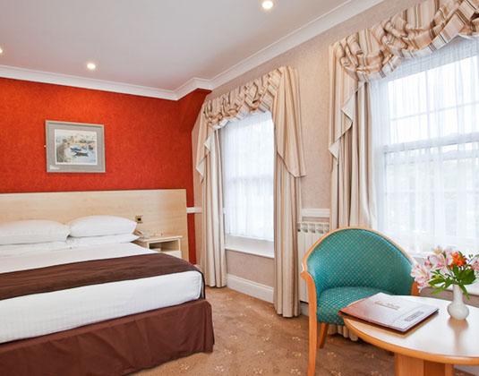 La_Villette_-_Standard_Room.jpg